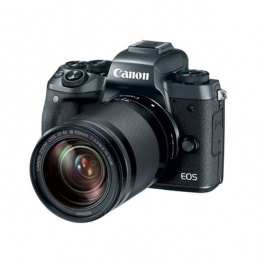 Canon EOS M5 18-150 + EF ADAPTER
