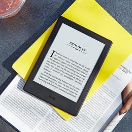 Amazon e-book reader Kindle 8 crni